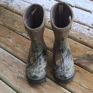 Bogs boys waterproof winter boots in camo print